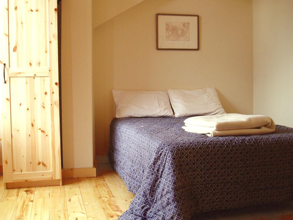 Lodge Bedroom 6